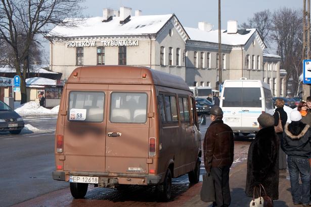 Minibusy na Dworcu PKP