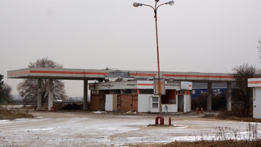 Opuszczona stacja benzynowa w Meszczach