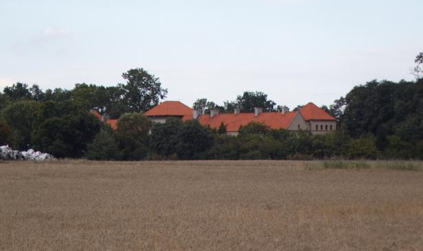 Zamek w Bykach od strony zachodniej