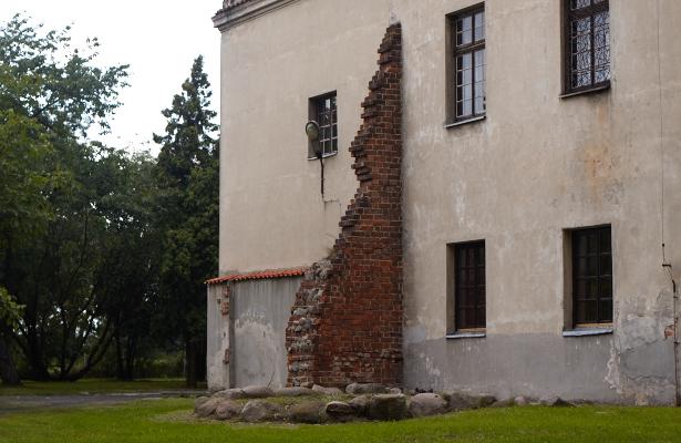 Baszta na zamku w Bykach