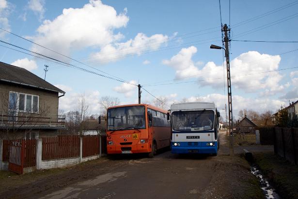 Fałków Autobus Szkolny